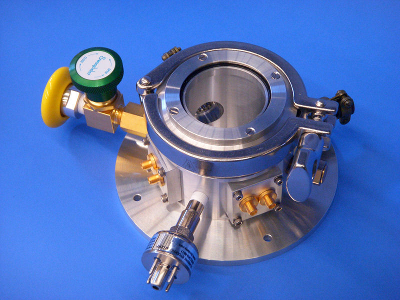Room Temperature Vacuum Chamber With Optical Window