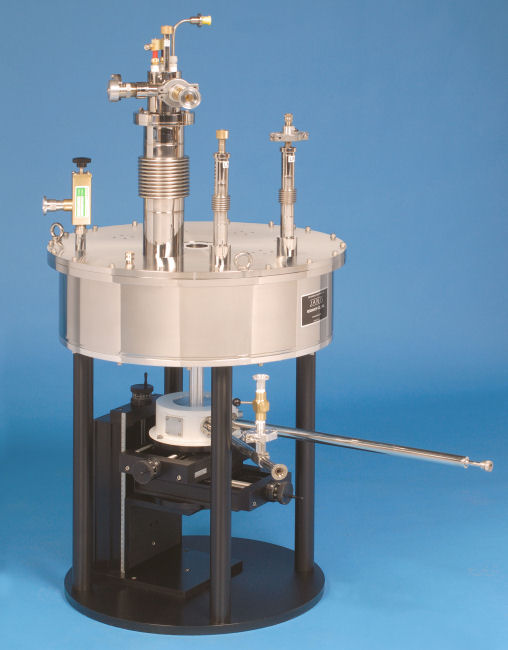 ST-500 microscopy superconducting magnet system