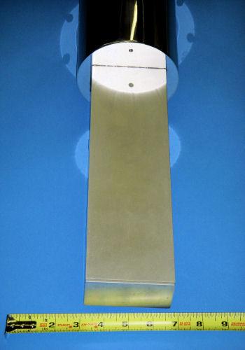 STVP-200 475 K Rectangular Tails Close-Up
